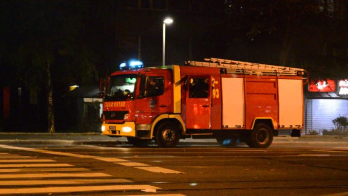 Ugašen požar na Novom Beogradu, nema povređenih 2