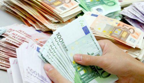 Dinar i funta jačaju, franak i dolar padaju 2