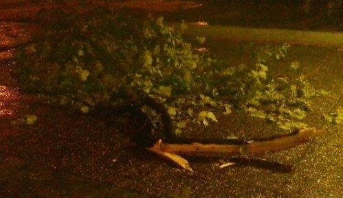 Snažna oluja sinoć u Beogradu 15
