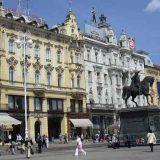 Seksistički plakati u zagrebačkim tramvajima 10