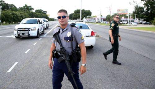 SAD: Upucani policajci, trojica mrtva 6