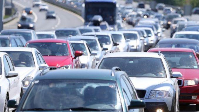 AMSS: Danas veliki broj vozila na putevima ka Čačku i Guči 3