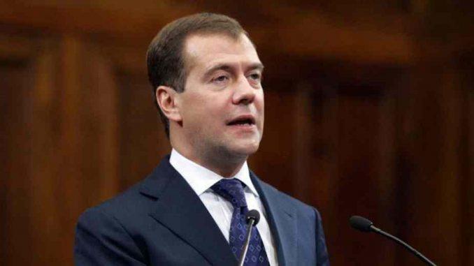 Dmitrij Medvedev: Putinov dobar đak 4