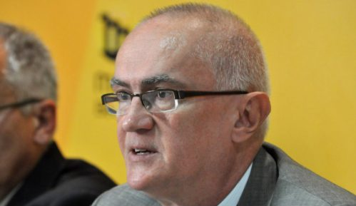 CEP: Poverenik postavlja standarde, Vlada i dalje netransparentna 15