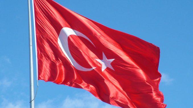 Spašeno sedam članova posade sa broda koji je potonuo kod obale Turske 3