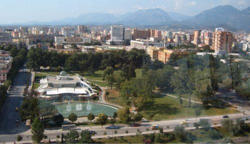 Stranke u Albaniji krše sanitarne mere da bi pokrenule predizbornu kampanju 2