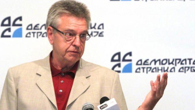 Dragan Maršićanin menja Sandu Rašković Ivić 1