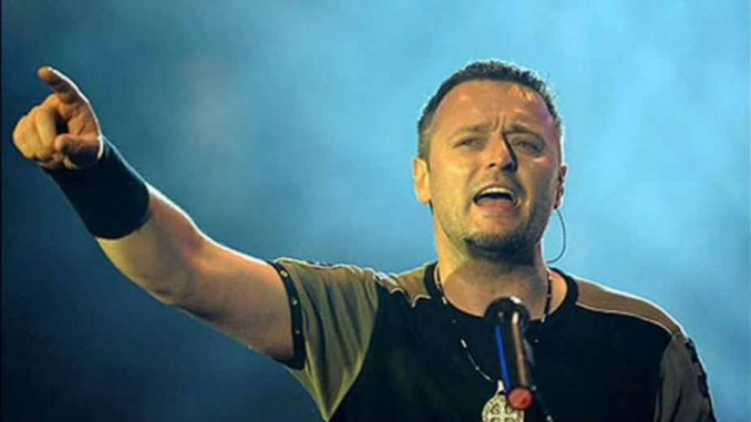 Hrvatska: Tompson peva po zakonu 4