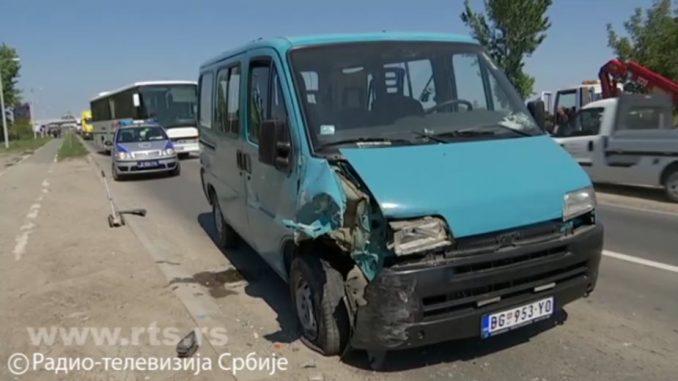 Vozač poginuo na Zrenjaninskom putu, jedno dete povređeno 4
