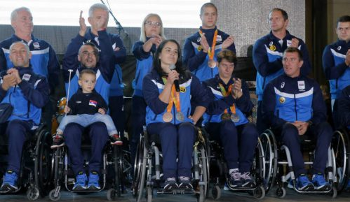 Beograđani pozdravili paraolimpijce 8