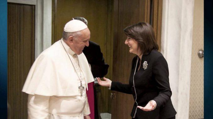Papa Franja prihvatio pozive Vučića i Tačija 1