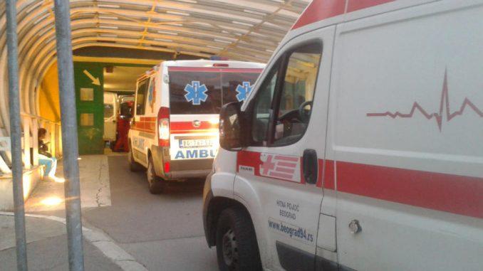 Izvršitelji plene medicinsku opremu i kola hitne pomoći 1