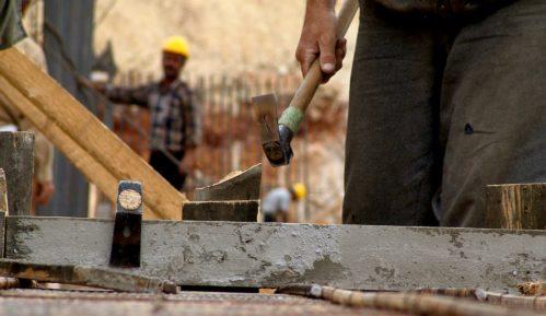 Neprijavljeni radnici na gradilištima stanova za pripadnike snaga bezbednosti u Srbiji 11