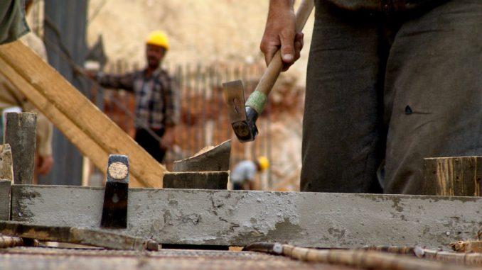 Neprijavljeni radnici na gradilištima stanova za pripadnike snaga bezbednosti u Srbiji 1