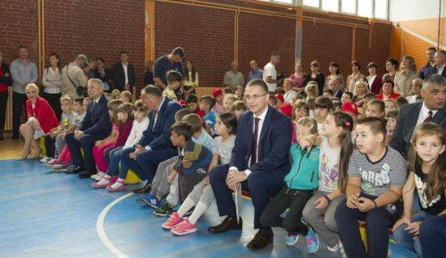 Stefanović: Svaka škola će imati video nadzor 8