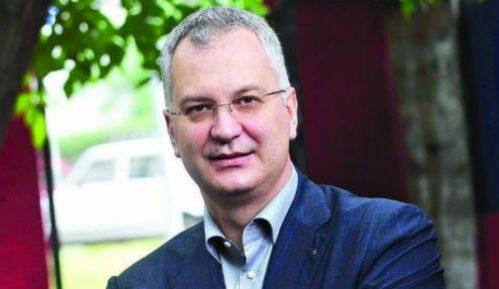 Novi lider demokrata Dragan Šutanovac obećao da  DS ostaje jedan tim 11