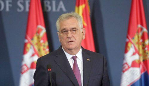 Nikolić: Dižemo vojsku zbog migranata 1