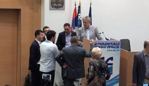 Poslanički klub DSS ostaje kompletan 6