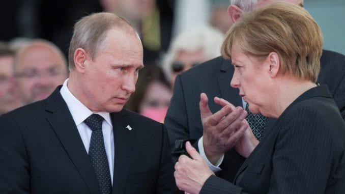 Putin i Merkel telefonom o očuvanju nuklearnog sporazuma sa Iranom 1