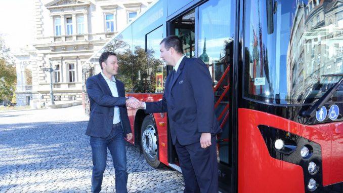 Primopredaja 10 novih autobusa za prevoz Beograđana 1