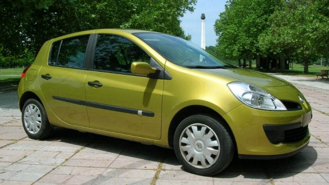 Šta da kupim: Renault Clio 3 ili Peugeot 207? 1