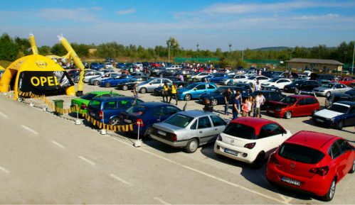 Skup ljubitelja Opel automobila na Adi Huji 10
