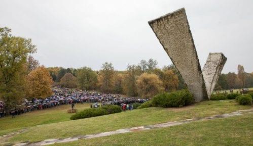 Održan Veliki školski čas u sećanje na streljane đake i profesore u Šumaricama 10