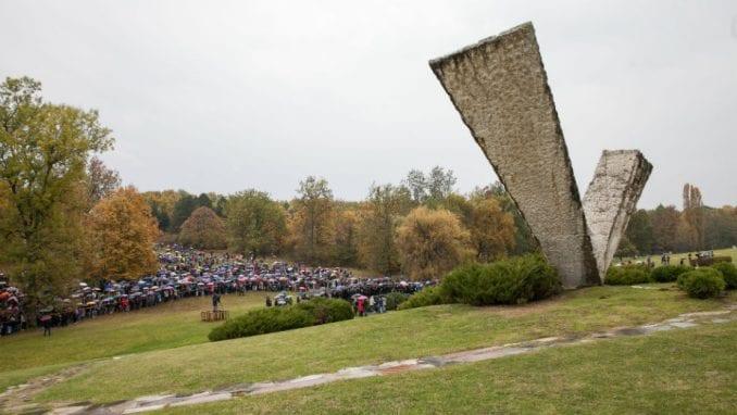 Održan Veliki školski čas u sećanje na streljane đake i profesore u Šumaricama 1