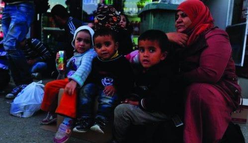 Iz Preševa u Bujanovac prebačene 184 izbeglice 12