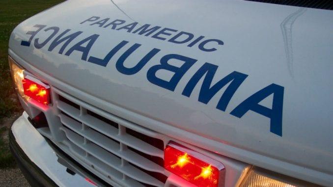 Mediji: Teretni voz naleteo na automobil, poginuo vozač 4