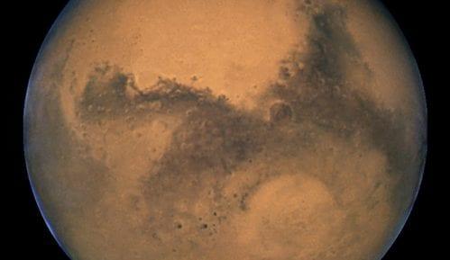 Naučnici otkrili jezero s tekućom vodom na Marsu 4
