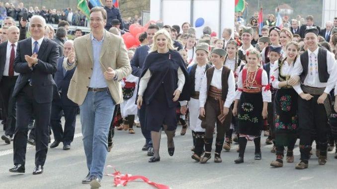 Vučić ispred Tita, ali iza Tadića 1