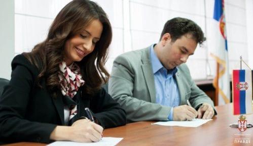 Ministarka Kuburović potpisala peticiju 6