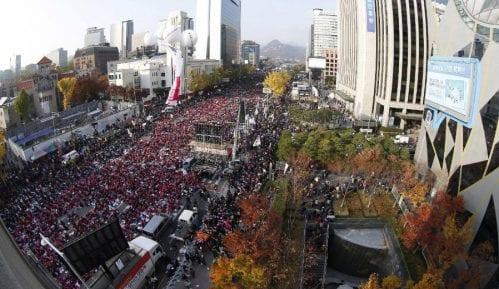 Uz predsednicu Park samo pet odsto građana 9