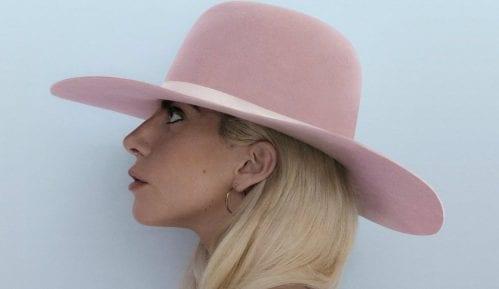 Lejdi Gaga na vrhu Bilbordove liste 1