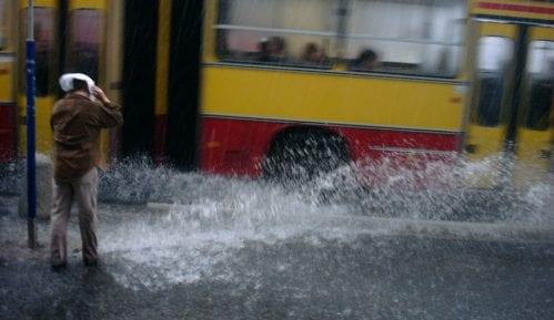 Problemi u saobraćaju zbog kiše 13