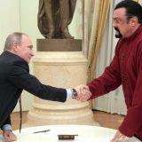 Vladimir Putin predao ruski pasoš Stivenu Sigalu 7