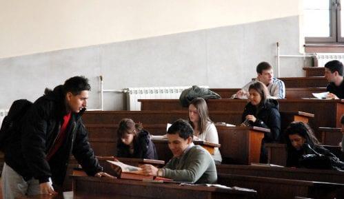 """""""Stari"""" studenti tvrde da im se krše Ustavom garantovana prava 11"""