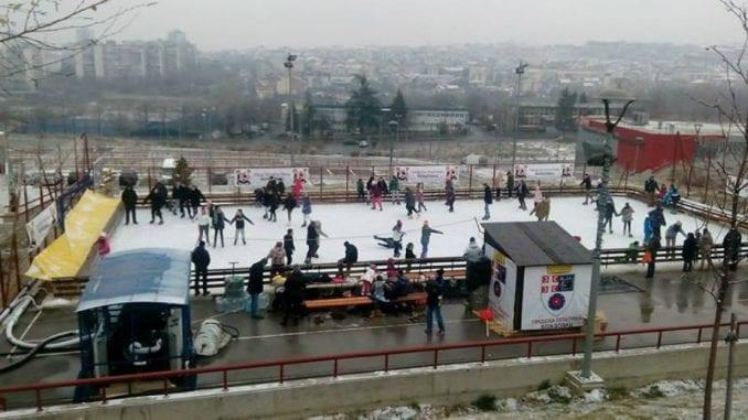 Otvoreno klizalište u naselju Stepa Stepanović 1