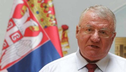 Incident ispred Skupštine na dočeku Vučića, Šešelj kolima izgurao poslanike Dveri 2