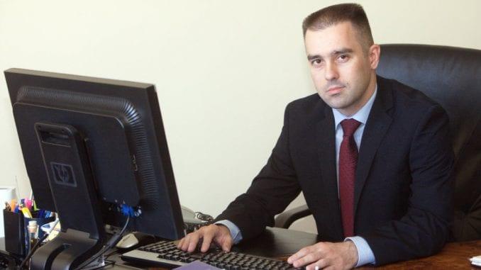 """Saša Janković kao """"neko sasvim treći"""" 1"""