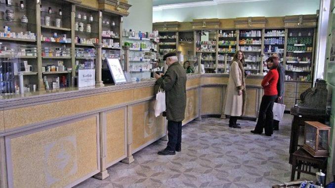 Danas otvorene samo apoteke, pumpe i prodavnice prehrane 3
