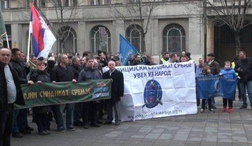 Protest sindikata vojske i policije 11. decembra 14