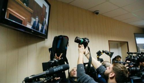 U zatvorima u svetu 348 novinara 13