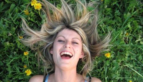 Žene se više smeju od muškaraca 11