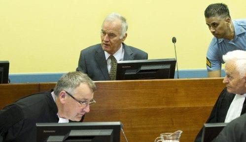 Mladićeva odbrana traži odlaganje rasprave o žalbama i statusne konferencije 5