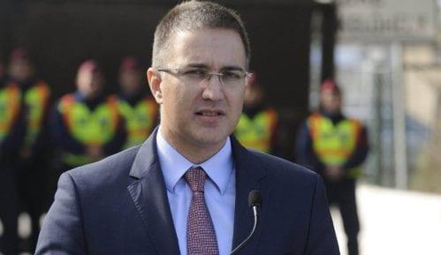Ministar Stefanović obišao kasarnu u kojoj je služio vojni rok 8
