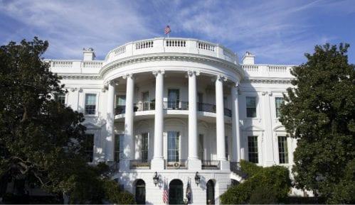 Šef republikanaca u Senatu izbegava Belu kuću zbog korona virusa 13
