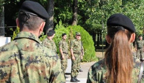 Pripadnici Vojske Srbije stabilno posle prevrtanja autobusa kod Vranja 7