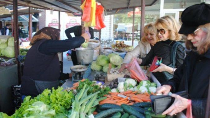 Nikodijević: Novi režim rada pijaca, tezge na bezbednoj udaljenosti 1